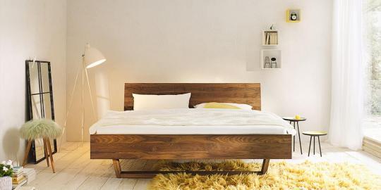 Bett LINEA PURA Nussbaum mit Holzkufe